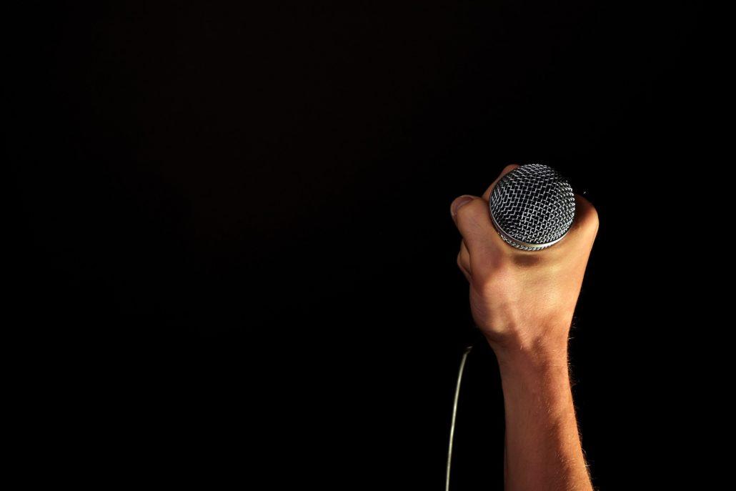 microfoon spreken podium presenteren